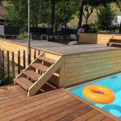 escalier terrasse bois exotique à Faverges