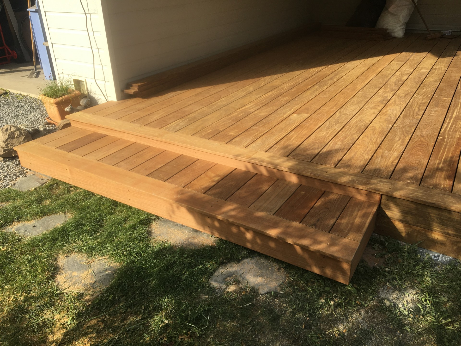 réalisation d'une terrasse en bois exotique à FAVERGES