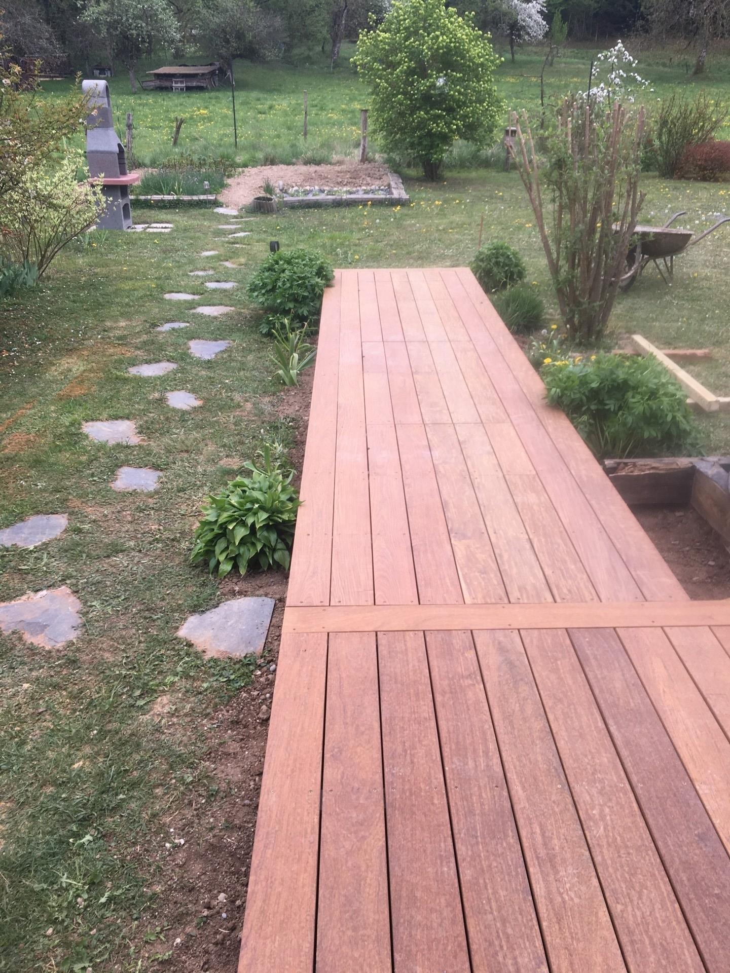 avancée terrasse bois exotique à FAVERGES